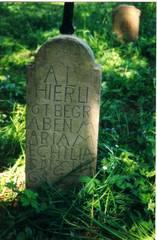 Grabstein im Pestfriedhof von Roßhaupten