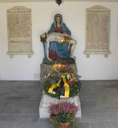 Kriegerdenkmal in Weißensee.