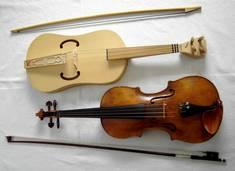 Fidel und Geige im Vergleich